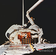 Space-craft Metal Prints - Discovery Spacewalk Metal Print by Science Source