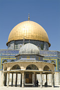Tourists Attraction Photo Prints - Dome Of The Rock Was Erected Print by Richard Nowitz