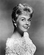Doris Day Framed Prints - Doris Day, 1960 Framed Print by Everett