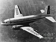 Dc-3 Plane Prints - Douglas Dc-3 Print by Photo Researchers