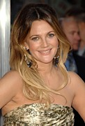 Hair Parted In The Middle Framed Prints - Drew Barrymore At Arrivals For Going Framed Print by Everett