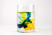 Yellow And Blue Posters - Dye In Water, 6 Of 11 Poster by Photo Researchers, Inc.
