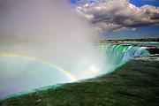 Edge Of Niagara Falls  Print by Charline Xia