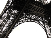 Black And White Paris Metal Prints - Eiffel Tower Metal Print by Fion Ngan @ fill in my blanks