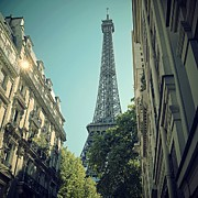 Paris Photo Prints - Eiffel Tower Print by Louise LeGresley