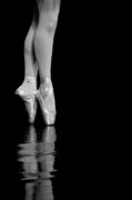 Pointe Art - En Pointe by Jeannie Burleson