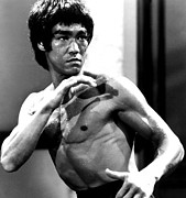 Bruce Photo Acrylic Prints - Enter The Dragon, Bruce Lee, 1973 Acrylic Print by Everett
