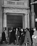 Stock Markets Posters - Entrance Of The New York Stock Poster by Everett