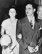 Marxists Posters - Ethel And Julius Rosenberg Leaving New Poster by Everett