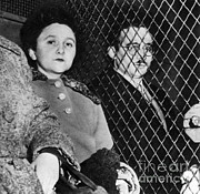 Female Spy Framed Prints - Ethel And Julius Rosenberg Framed Print by Science Source