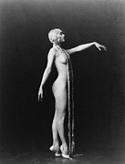 Ziegfeld Girl Prints - Evelyn Groues, A Ziegfeld Girl Posed Print by Everett
