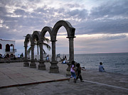 Zannie B - Evening On The Malecon