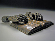 Old Sculpture Metal Prints - Faith Metal Print by Eduardo Gomez