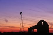 David Davis and Photo Researchers - Farm at Sunset