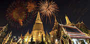 Pyrotechnics Originals - Firework on Thai royal palace by Anek Suwannaphoom
