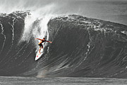 Fisher Heverly Surfing At The Banzai Pipeline Print by Paul Topp