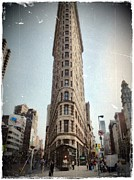 Flat Iron Framed Prints - Flat Iron Building Framed Print by Frank Garciarubio