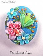 Frog Jewelry - Fred And The Lily by Susan  Elliot