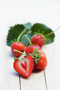 Cut In Half Photos - Freshly Picked Strawberries by Fir Mamat