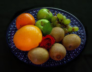 Kiwi Photos - Fruit Dish by Peter Piatt