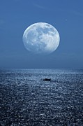 Sea Moon Full Moon Posters - Full Moon Rising Over The Sea Poster by Detlev Van Ravenswaay