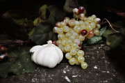 Italian Digital Art - Garlic and Grapes by Bill Cannon