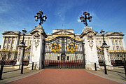 Castle Gates Framed Prints - Gates Of Buckingham Palace Framed Print by Yhun Suarez
