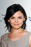 Bobbed Hair Framed Prints - Ginnifer Goodwin Wearing Daniel Framed Print by Everett