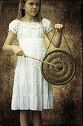 Beat Photos - Girl With Gong by Joana Kruse