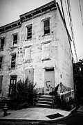 Dilapidated Houses Prints - Glencoe-Auburn Place in Cincinnati Ohio Print by Paul Velgos
