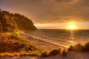 Juan De Fuca Framed Prints - Golden Sunset Over Juan De Fuca Strait Framed Print by Larry Whiting