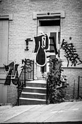 Dilapidated Houses Prints - Graffiti at Cincinnati Abandoned Buildings Print by Paul Velgos