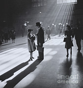 Terminal Photos - Grand Central Terminal, Nyc by Photo Researchers