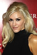Gwen Stefani Art - Gwen Stefani At Arrivals For Fashion by Everett
