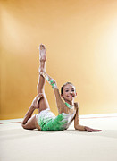 Color Bending Prints - Gymnast, Smiling, Bending Backwards, Floor, Print by Emma Innocenti