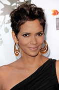 Gold Earrings Framed Prints - Halle Berry At Arrivals For 2011 Annual Framed Print by Everett