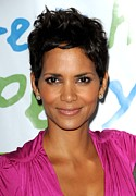 Natural Makeup Photo Posters - Halle Berry At Arrivals For Silver Rose Poster by Everett