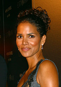 Halle Berry Prints - Halle Berry At The Henri Bendel Print by Everett