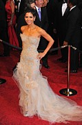 Beige Dress Framed Prints - Halle Berry Wearing Marchesa Dress Framed Print by Everett