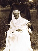 Slavery Photo Framed Prints - Harriet Tubman 1820-1913 In Old Age Framed Print by Everett