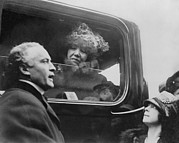Harry Houdini Photos - Harry And Beatrice Houdini With Famed by Everett