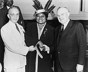 Gone With The Wind Photos - Hattie Mcdaniel 1895-1952, Shaking by Everett