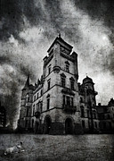 Haunted House Metal Prints - Haunted 2 Metal Print by Laura Melis