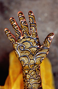 Art Product Photo Prints - Henna Artwork On A Woman?s Hand In Main Bazaar, Parharganj Print by Richard I