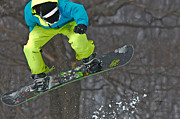Snow Board Prints - High Flyin Print by Lois Bryan