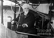 Mousetrap Framed Prints - Hiram Maxim, American-anglo Inventor Framed Print by Photo Researchers
