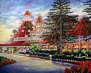 Hotel Del Coronado Framed Prints - Holiday Hotel 2 Framed Print by Sue T McNary