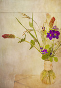 Textured Vase Framed Prints - Homegrown Wildflowers In Vase Framed Print by Susan Gary