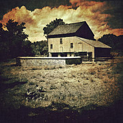 Mobilephotography Posters - Homestead Barn Poster by David Ruser