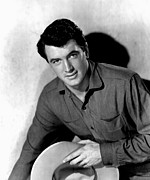 1952 Movies Photo Framed Prints - Horizons West, Rock Hudson, 1952 Framed Print by Everett
